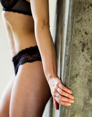 Louisanne hermaphrodite outcall escorts in Coaticook, QC