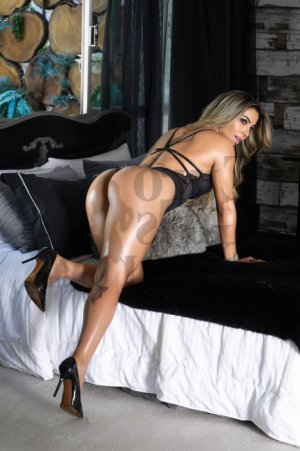 Rozane nuru massage in Bonnyville